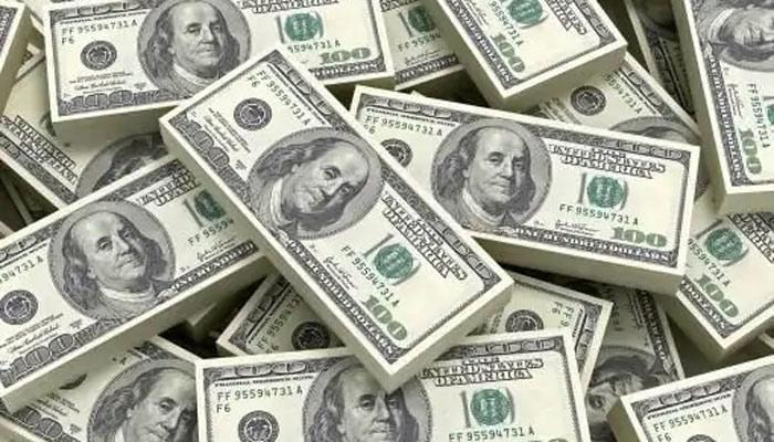 US budget deficit debt to hit $3.3 trillion, bigger than its economy's size